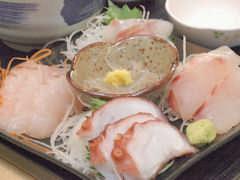 獲れたて新鮮のお刺身定食 大洗漁港直営店 かあちゃんの店