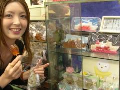 年宝菓子店の飴細工