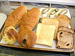 ブリアン大洗店のさまざまなパン