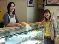 カノウヤ菓子店でのツーショット