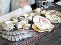 大洗海鮮市場での浜焼き