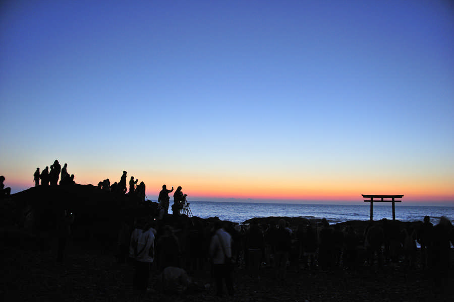 People waiting for the first sunrise at Kamiiso no Torii