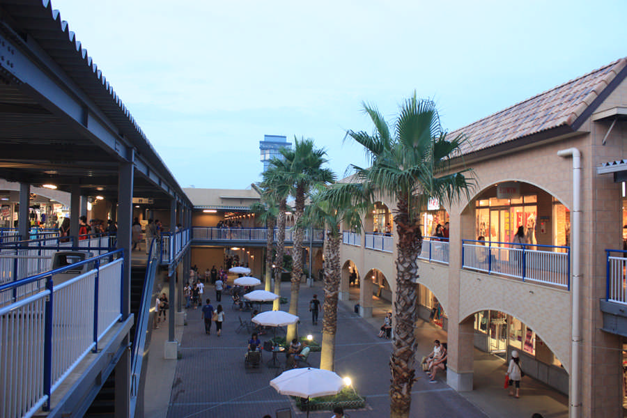 Oarai Seaside Station in the evening