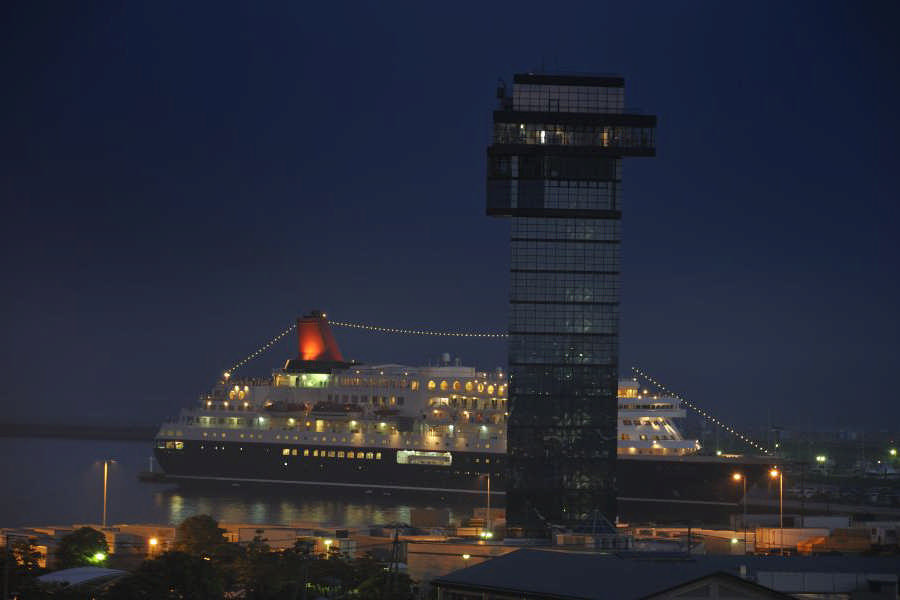 Night view of Nipponmaru and Marine Tower