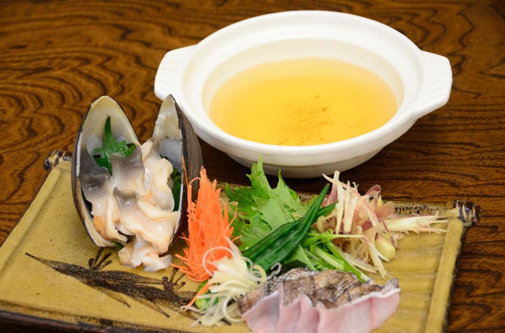 Oyster shellfish and local fish shabu-shabu