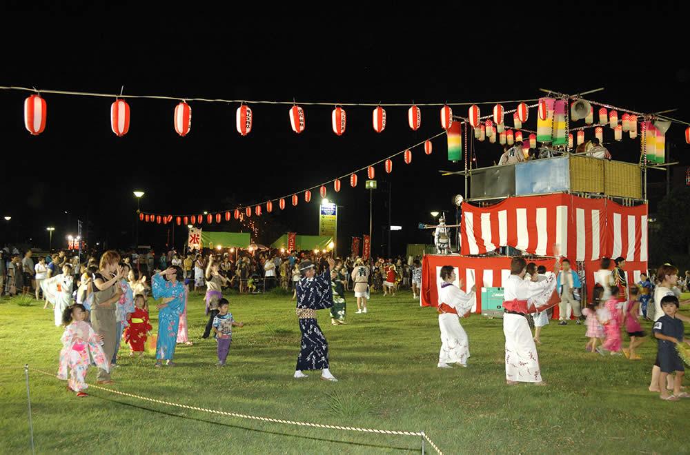 봉 윤무(봉오도리)의 저녁(盆踊りの夕べ)
