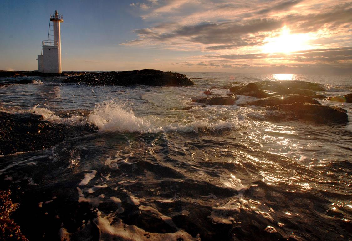 灯台 日の出